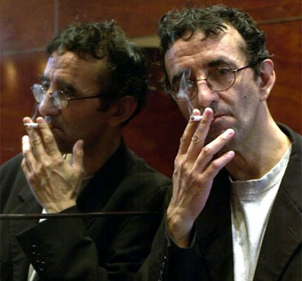 "No se puede mostrar la imagen ""http://www.biografiasyvidas.com/biografia/b/fotos/bolano.jpg"" porque contiene errores."