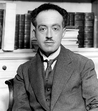 louis de broglie Louis de broglie has discovered the wave nature of electrons he introduced his theory of particle-wave duality in 1924 wave and particle interpretations of light.