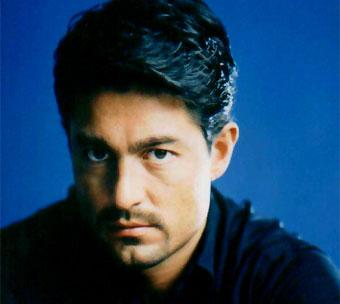 http://www.biografiasyvidas.com/biografia/c/fotos/colunga1.jpg