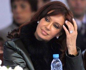 Las líneas rectoras iniciales del gobierno de <b>Cristina Fernández</b> de Kirchner ... - fernandez_kirchner_2