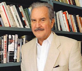 Carlos Fuentes en una imagen de 1995