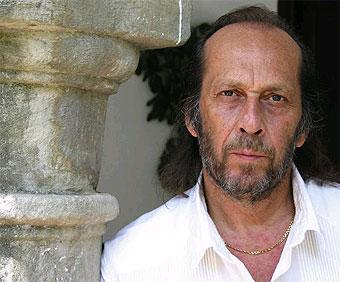 http://www.biografiasyvidas.com/biografia/l/fotos/lucia_paco.jpg