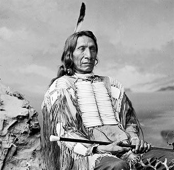 Bandoleros, bandidos, sheriff, indios, etc. - Página 4 Nube_roja