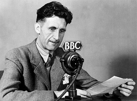 http://www.biografiasyvidas.com/biografia/o/fotos/orwell_bbc.jpg