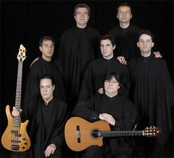 http://www.biografiasyvidas.com/biografia/q/fotos/quilapayun.jpg