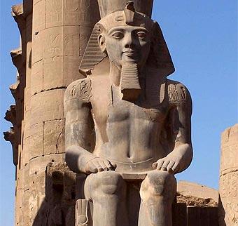 Estatua-Ramses-II