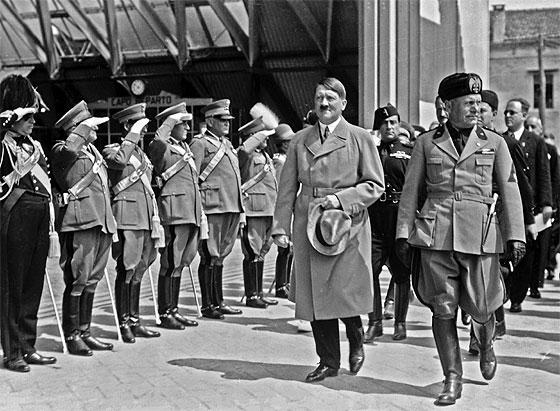 Resultado de imagen de hitler y mussolini venezia 1934